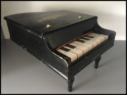 Childs Toy Piano